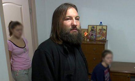 Un preot primește pomelnice pe Facebook, pentru persoanele afectate de coronavirus