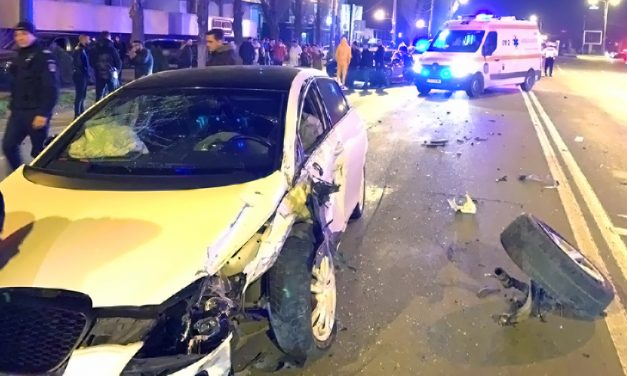 FOTO. Accident în Mamaia. Cinci răniți și trei mașini implicate