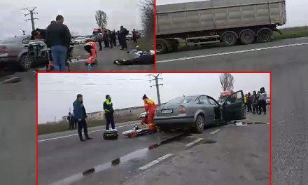 VIDEO. Accident grav între un TIR și un autoturism la ieșirea din M. Kogălniceanu