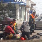 FOTO. Angajaţi ai Primăriei Constanţa, picnic pe trotuar în plină pandemie