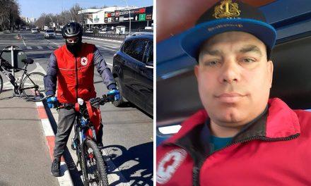 """Un constănţean voluntar face cumpărături cu bicicleta pentru persoanele izolate. """"Staţi acasă, am eu grijă să ajung la cei care cer ajutor"""""""