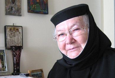 """A încetat din viața maica Semfora Gafton de la Mănăstirea Techirghiol. """"Dacă m-aş naşte de 1.000 de ori, tot la mănăstire m-aş duce"""""""