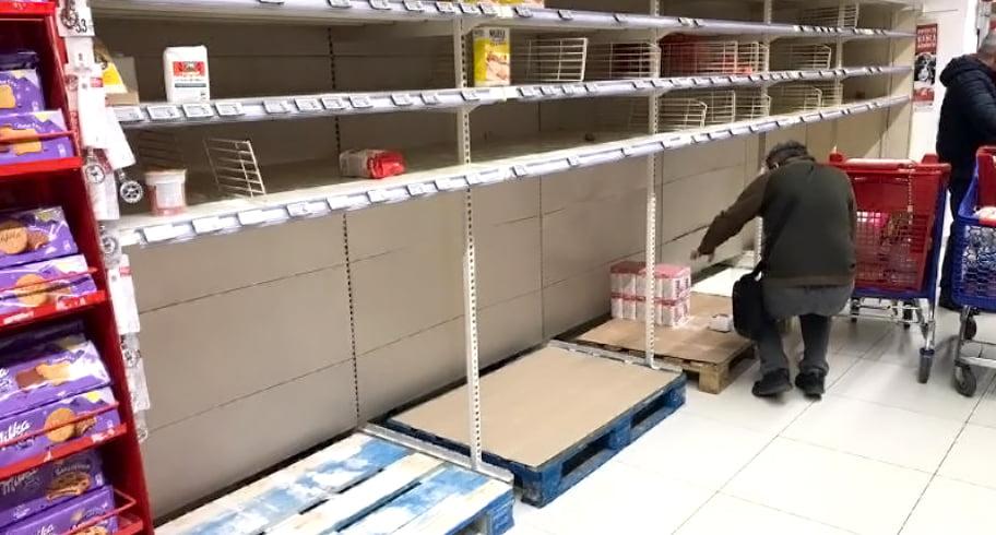 AUDIO. Speriații de coronavirus, care au golit rafturile magazinelor, vor să dea marfa înapoi