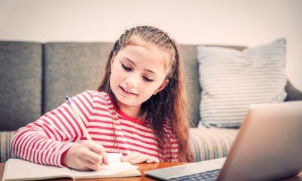 ISJ Constanța cere cadrelor didactice să nu mai dea elevilor teme online și să îi țină cât mai puțin fața calculatoarelor
