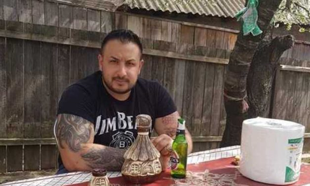 """Un """"bombardier"""" s-a trezit cu mascaţii la uşă după ce a înjurat Poliţia pe Facebook"""
