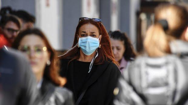 Polițiștii vor patrula în civil pe străzi și îi vor amenda pe cei care nu poartă mască și nu respectă regulile sanitare