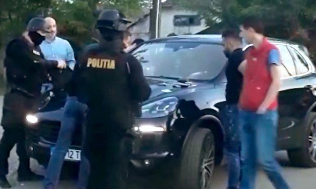 VIDEO. Paranghelie de interlopi întrepruptă de poliţişti. Dosare penale şi 20 de amenzi