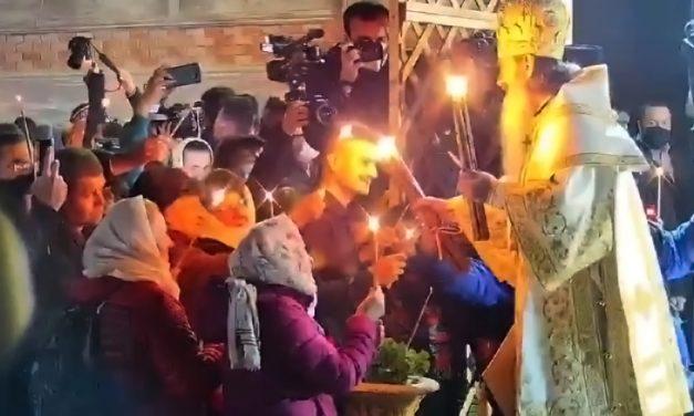 """VIDEO. ÎPS Teodosie a fost huiduit la slujba de Înviere 2.0. """"Bulangiule! Ești Satana!"""""""