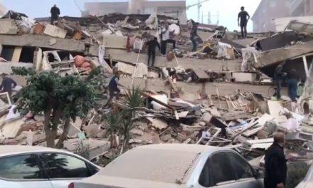 VIDEO imagini dramatice! Un cutremur de 7 grade a lovit Turcia și Grecia. Zeci de clădiri prăbușite