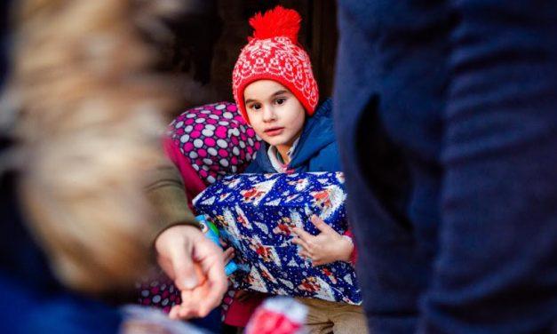 Dăruiește bucurie într-o cutie pentru 41 de copii sărmani din comuna Cerchezu