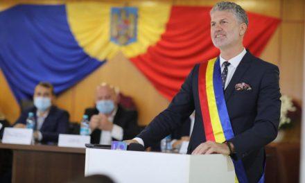 Primarul Florin Chelaru și consilierii locali din Năvodari au depus jurământul de învestitură