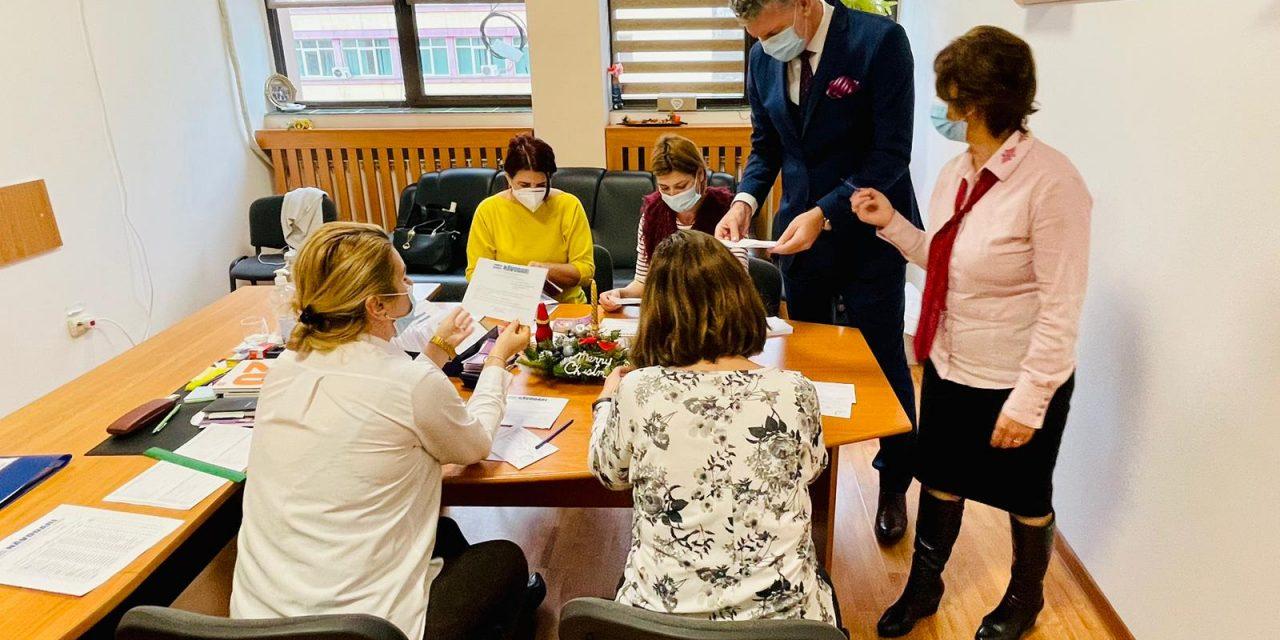 """Tichete sociale, pentru vârstnicii din Năvodari. F.Chelaru: """"Sper să le fie de folos"""""""