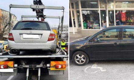 Amenzi și mașini ridicate de pe locurile de parcare destinate persoanelor cu dizabilități