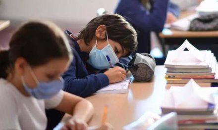 """Evaluarea profesorilor de către elevi ar putea intra în vigoare din acest an. """"Ministerul Educației este în proces de elaborare a unei metodologii de consultare la finalul fiecărui semestru"""""""