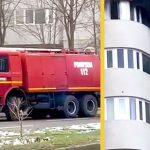 """Intervenție cu autospecială de pe vremea lui Ceaușescu și fără dotări. """"Pompierii se uitau ca proștii în timp ce o femeie a căzut în gol în fața lor!"""""""