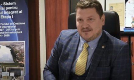 """Mascații și procurorii au descins în biroul """"animalului politic"""" Petru Avram"""