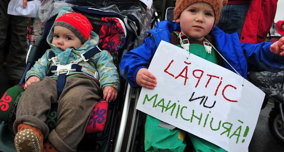Bebelușii constănțeni au ieșit în stradă, revoltați că mămicile constănțene cheltuie indemnizațiile pe prostii