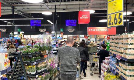 Noile restricții intră în vigoare de azi la Constanța. Aglomerație și cozi uriașe în magazine