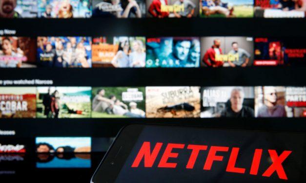 Netflix va restricționa folosirea unui singur cont de mai multe persoane