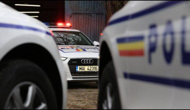 Ucigașul profesoarei din Cernavodă, un individ care îi montase jaluzele în casă. Polițiștii l-au reținut