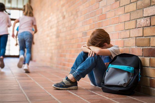 Psiholog, după ce două eleve s-au sinucis: Părinții să fie atenți la sănătatea mintală a copiilor, nu la note