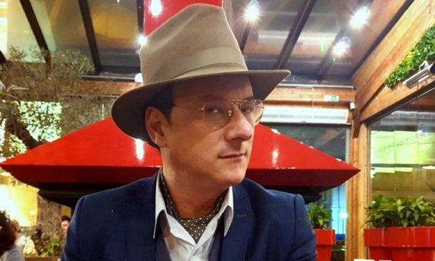 """Ca să nu mai rimeze cu """"milă"""", Măndilă își schimbă numele în Măndilionar"""