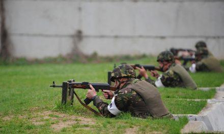 """Militarii de la Topraisar, revoltați după ce un coleg ar fi fost lovit de comandant: """"Suntem obișnuiți cu înjurăturile, dar dacă am ajuns să mergem acasă bătuți, asta e grav"""""""