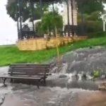 VIDEO / Tone de mizerie și fecale s-au deversat pe faleza Cazinoului și au ajuns în mare