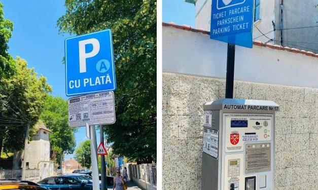 Mitică Pușcălargă a parcat în centrul Sibiului cu 10 lei/zi. La Constanta, parcarea e 94 lei și sms din oră-n oră