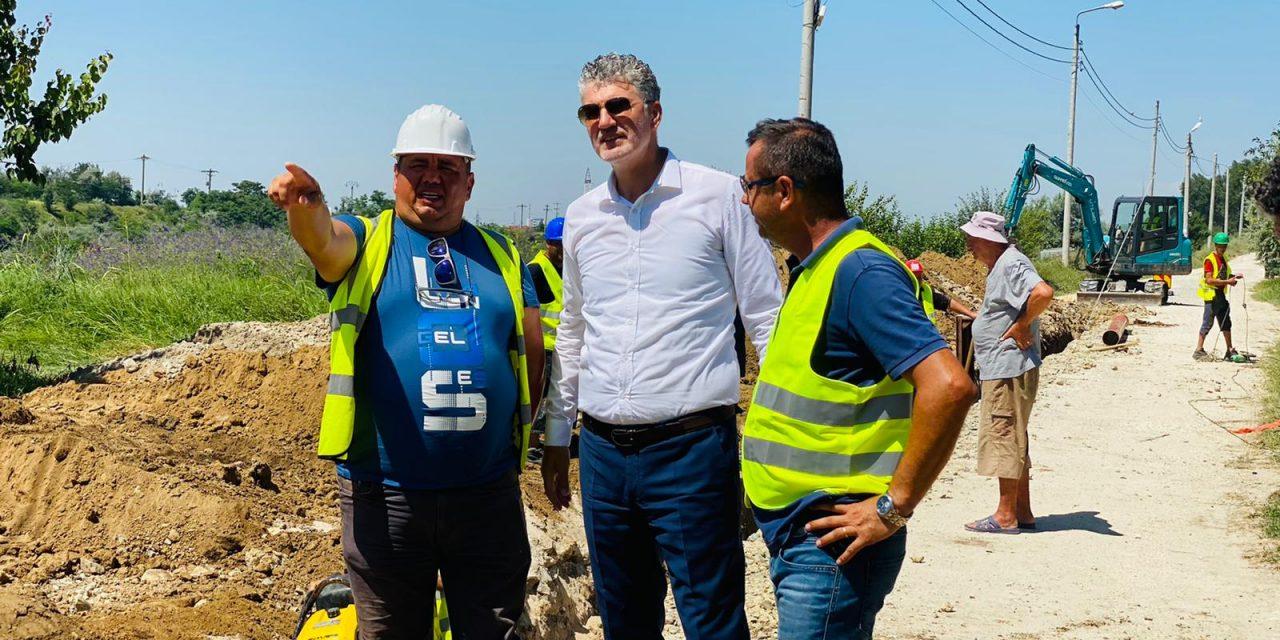 """F.Chelaru: """"Am început lucrările pentru extinderea canalizării în Mamaia Sat și Năvodari"""". Pe ce străzi se va lucra"""