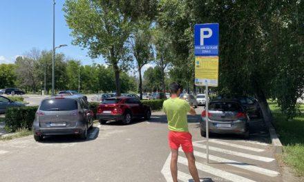 """Experiență de turist în Mamaia: """"Am pus alarmă pe telefon, mă trezesc noaptea la 3 să plătesc parcarea"""""""