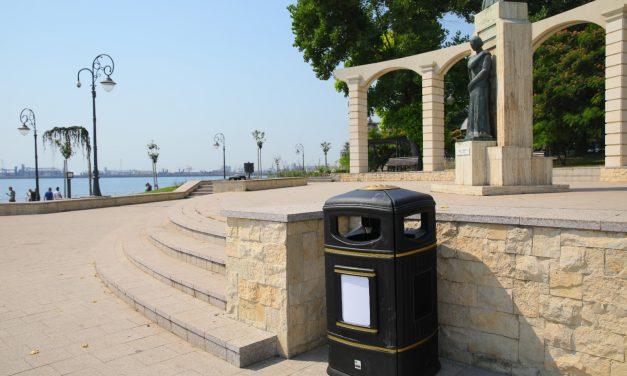 """Primăria Constanța a cumpărat coșuri de gunoi cu 3.500 lei (700 euro)/ bucata. """"Rezistă la radiații UV"""""""