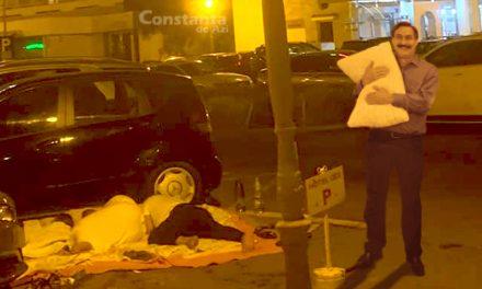 Hotelierii le pun perne sub cap și note de plată turiștilor care dorm în parcările din Mamaia