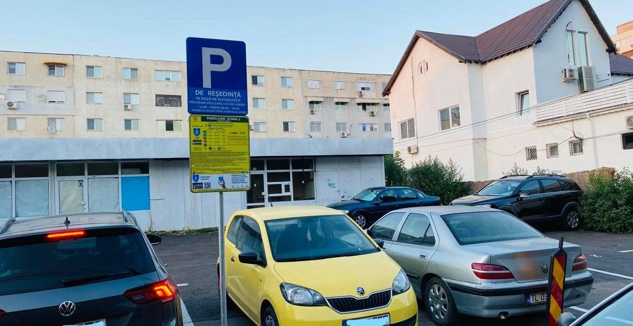 Parcări cu plată în cartiere, între blocuri. Constănțenii se plâng pe Facebook și… plătesc