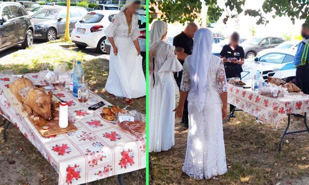 FOTO. Zeci de romi, paranghelie cu purcel la proțap în fața unui hotel din Mamaia