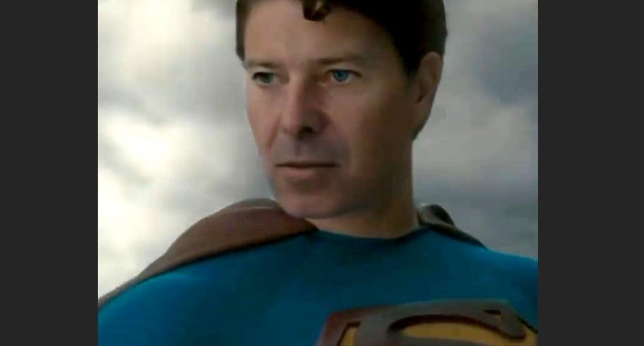 """Florin Cîțu a pozat în Superman de Instagram. """"Tehnologia asta"""""""